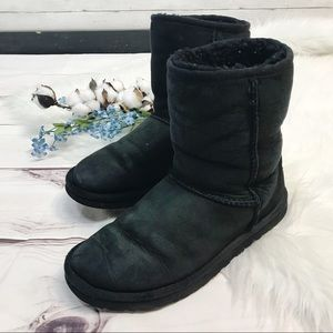 UGG Classic Black Short Sheepskin Boots Size 7